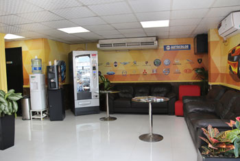 IMG_Customer Lounge (2)