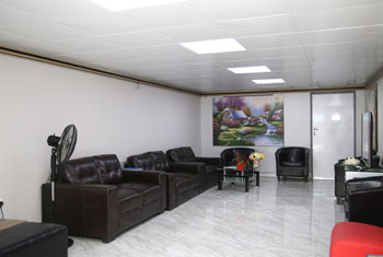 IMG_Customer Lounge